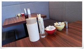 テーブル上のシロップ等@クラタ珈琲店 戸畑店