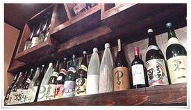 ボトルの数々@創作居酒屋 花と竜