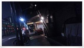 真っ暗のもんぜき通り@築地場外市場