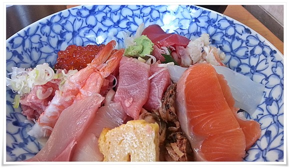 お楽しみ海鮮丼アップ@うおがし丼かんの
