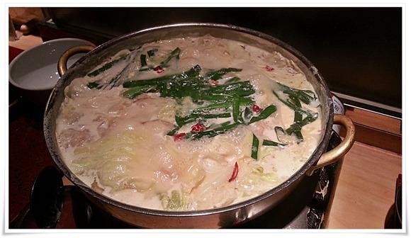 乳白色のスープが絶品@こらぁ源堺町店