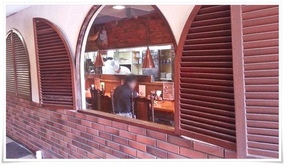 コック帽の料理人が@グリル爛漫(らんまん)