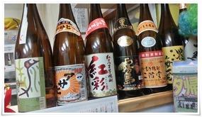 ボトルの数々@どて焼き・串かつ 大黒店