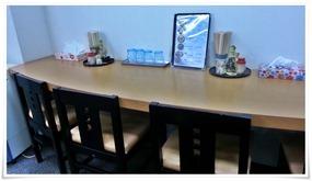 壁側のカウンター席@焼麺屋 虎之介