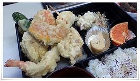 うどん定食の天ぷら@横綱うどん 西港店