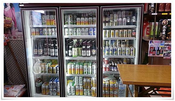 店内のビールケース@武藤酒店