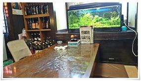 テーブル席&熱帯魚@海鮮いづつ