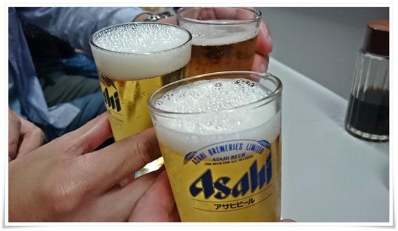 瓶ビールで乾杯@ぎょうざ湖月(こげつ)