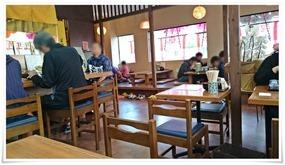 店内奥にもテーブル席@うどん満月 陣原駅前店