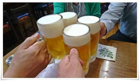 生ビールで乾杯@ぎょうざ亭たしろ