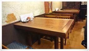 テーブル席@焼鳥とんとん