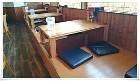 テーブル席@本格博多らーめん まこ屋
