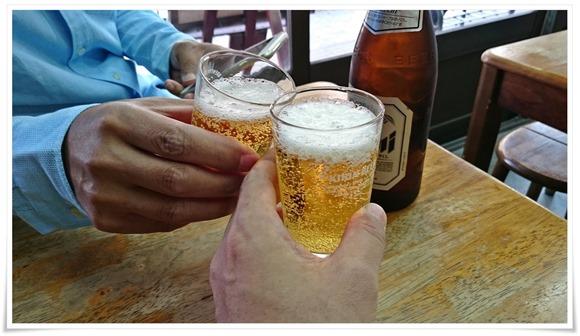 ビールで乾杯@敏ちゃん食堂