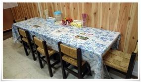壁面のテーブル席@チャンポン屋しげみ