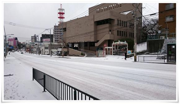 雪一面の千草ホテル前