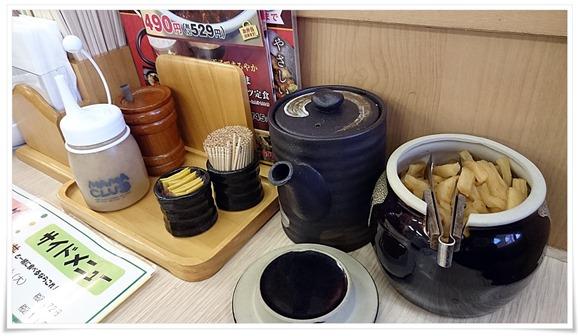 テーブル完備の漬物@かつや北九州上の原店