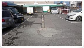 駐車場は10台程度@てるのちゃんぽん亭