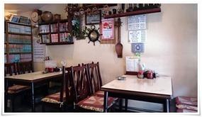 テーブル席が4卓@カレーのお店 カルカッタ