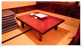 座敷のテーブル席@桃若(ももわか)