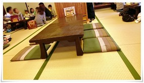 テーブル席@吉宗(よっそう)浜町本店