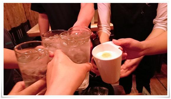 大将&奥さんと乾杯@焼き鳥 亮平(りょうへい)