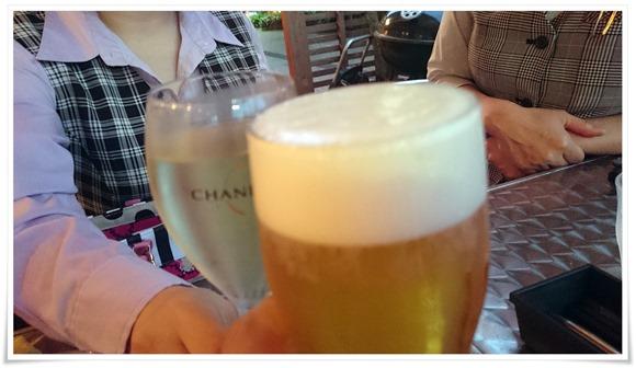 生ビールで乾杯@CAFE ITCH(カフェ・イッチ)
