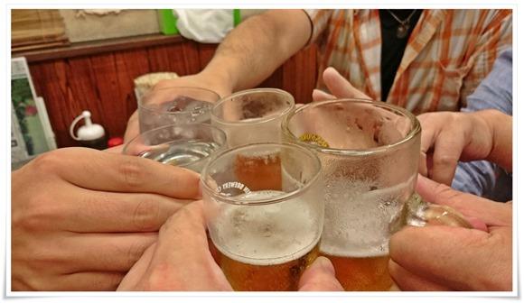 瓶ビールで乾杯@ぎょうざ亭たしろ