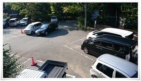 写真右端が駐車場@旅館 やまの湯