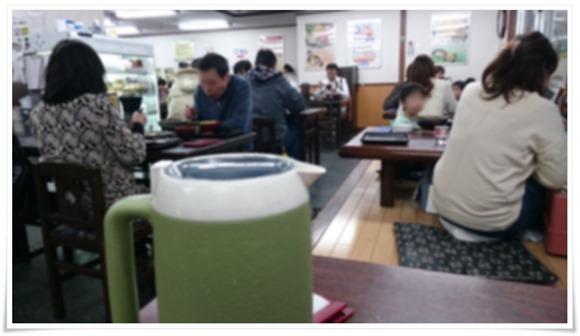 店内満席状態@資さんうどん中央町店