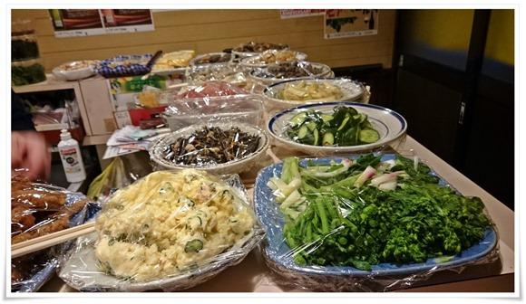 大皿料理の数々@屋台中村