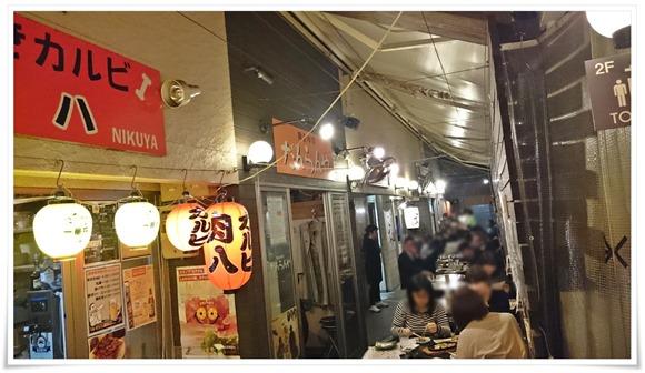 屋台がのほぼ中央@肉八(にくや)