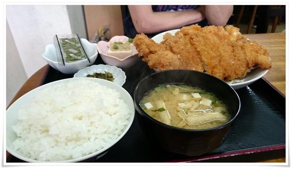 チキンカツ定食@龍昌(りゅうしょう)