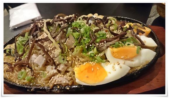 焼きラーメン@麺バル クオーゼ