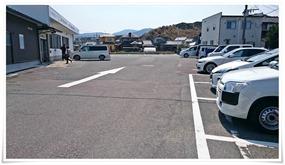 駐車場右サイド@牧のうどん 加布里本店