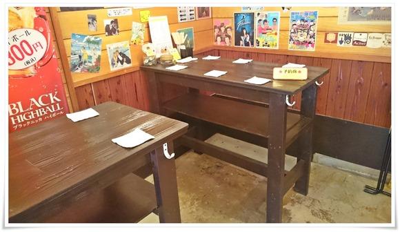 テーブル完備@立ち飲み居酒屋八十