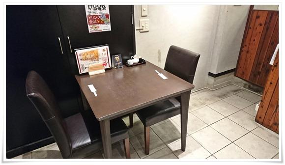 テーブル席@チャイニーズレストラン ハチ