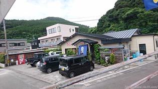 店舗前の駐車場@魚料理 びびんや