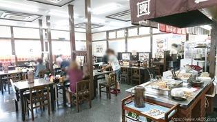 テーブル席@資さんうどん大里店