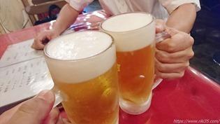 生ビールで乾杯@龍華餃子