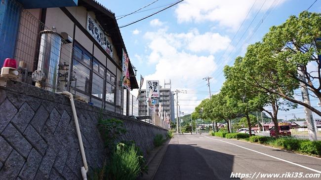 浅川交差点近く@資さんうどん浅川店