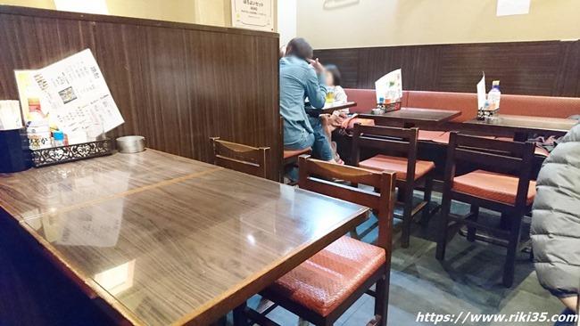 四人用テーブル席@焼鳥 司