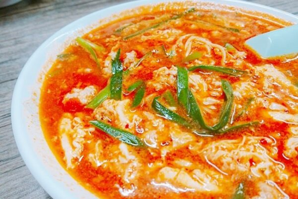 辛麺八龍 黒崎店@黒崎・カムズ通りde締めの辛麺チャレンジ!完熟トマトスープがツボにハマりました。
