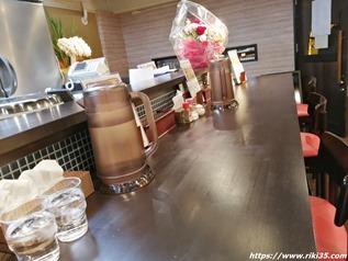 カウンター席@旭川ラーメン なまら食堂