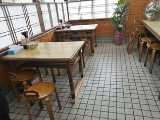 テーブル席@うどん処ひじり