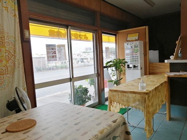 入口の券売機@よっちゃん食堂