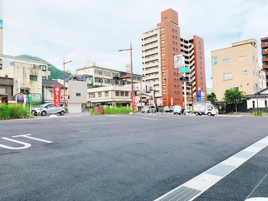 駐車場広々@セブンイレブン八幡中央町店